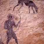 Site de Sefar (Tassili N'Ajjer, Algérie) / Peinture rupestre / Archer et chien sloughi (détail) / 46N-P57-002
