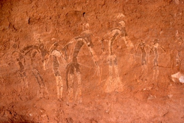 Site de Sefar (Tassili N'Ajjer, Algérie) / Peinture rupestre / Danseurs / 46N-P60-002