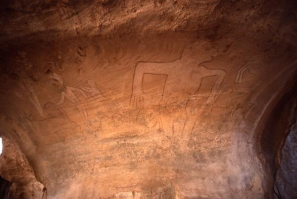 Site de Sefar (Tassili N'Ajjer, Algérie) / Peinture rupestre / Gorille / 46N-P62-004