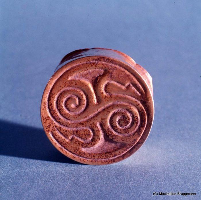 Orejera Inca - región del Cuzco - diametro 43 mm, grosor 2 cm - Museo de Oro del Perú