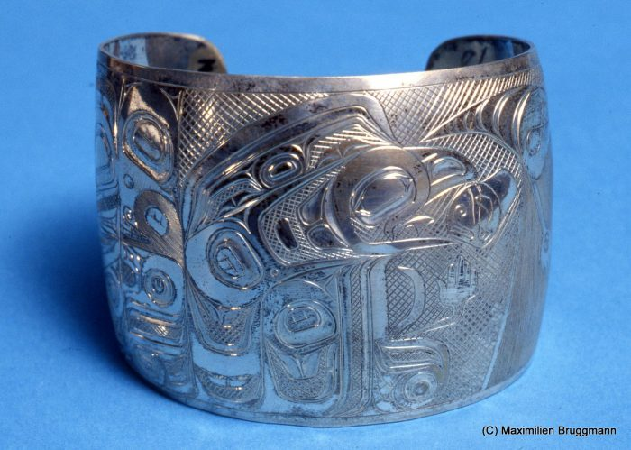 110 This silver bracelet, depicting Royen Yel with the Sun, is attributed to an anonymous Tsimshian artist. (5 cm; MOA)
